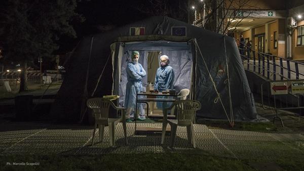 rapid-deployment-intensive-care-unit-in-bergamo-italy