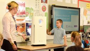 Air purifier in classroom